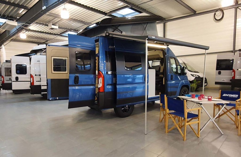 Store fourgon et camping-car