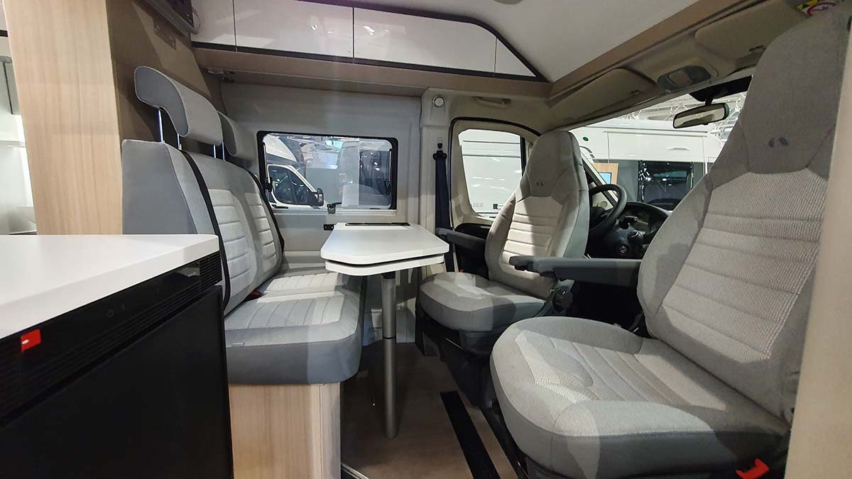 Adria-TWIN-540-SP-PLUS salon
